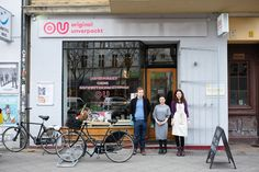 Here to help you start re-considering your own waste-production and, consequently, change it, is a food store in Kreuzberg that is (almost) waste-free: Original Unverpackt.