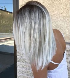 Check out latest article Icy Blonde Hair with Dark Roots Colour Ideas. Explore icy blonde hair balayage dark roots, icy blonde hair dark roots shoulder length, icy blonde hair highlights low lights, i White Blonde Hair, Light Ash Blonde, Blonde Color, White Ombre Hair, Ombré Blond, White Blonde Highlights, Dark Blonde, Ombre Silver Hair, Ombre Colour