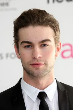 Chace Crawford Photos - Actor Chase Crawford arrives at the annual Elton John AIDS Foundation's Oscar Viewing Party held at the Pacific Design Center on March 2010 in Los Angeles, California. - Chace Crawford Photos - 2015 of 2967 Gossip Girl Nate, Gossip Girls, Chance Crawford, Cute Celebrities, Celebs, Nate Archibald, Elton John Aids Foundation, Gossip Girl Fashion, Heath Ledger