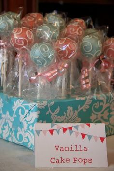 ***FINISHED*** Cake Pops or Marshmallow Pops Holder (using different wrapping paper per occasion). She used foam blocks, but I made mine using cut Fondant Cakes, Cupcake Cakes, Cupcakes, Cake Cookies, Cake Pop Favors, Party Favours, Cake Pop Holder, Pink Cake Pops, Baptism Favors