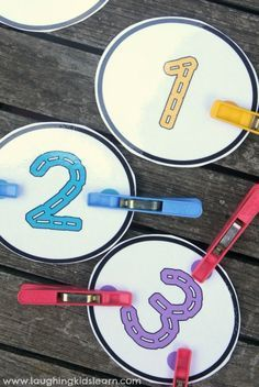 Peg the dot number counting cards with free printable - Laughing Kids Learn Teaching Numbers, Numbers Preschool, Math Numbers, Preschool Math, Kindergarten Math, Numeracy Activities, Math Activities For Kids, Counting Activities, Fun Math