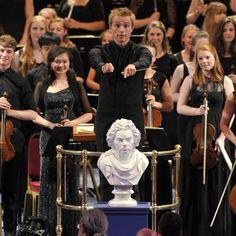 Ludwig van Beethoven: Symphony No.9 in D minor – Vasily Petrenko • http://facesofclassicalmusic.blogspot.gr/2015/01/ludwig-van-beethoven-symphony-no9-in-d.html