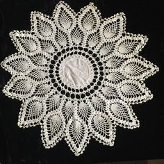 Vintage Hand Crocheted Doily Ivory Pineapple Linen Center Very Dainty 16""
