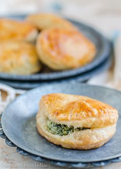 Spinach and Cheese Hand Pies - Mommyhood's Diary