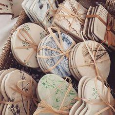 few from the weekend - Charlotte Hupfield Ceramics Handmade ceramic coasters by Charlotte HupfieldHandmade ceramic coasters by Charlotte Hupfield Hand Built Pottery, Slab Pottery, Ceramic Pottery, Ceramic Art, Thrown Pottery, Pottery Vase, Ceramic Mugs, Ceramic Bowls, Diy Clay