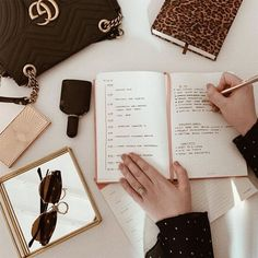 Productivity Hacks Our Editors Use Every Single Day Fashion Business, Business Women, Business Attire, Business Major, Business Formal, Business Professional, Professional Women, Dream Job, Dream Life