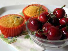 Muffin di ciliegie da www.kigaportal.com Muffin, Pudding, Breakfast, Desserts, Food, Dessert Ideas, Food Food, Morning Coffee, Muffins