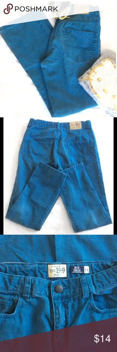 """Girls Rich Teal Children's Place Jeans Fabulous condition, very gently pre-loved. 5 pocket, button & zip fly. 💯 Cotton, very soft. Button elastic adjustable waist. 26""""x26"""". Bundle for a lower price 😁!!! Children's Place Bottoms Jeans"""