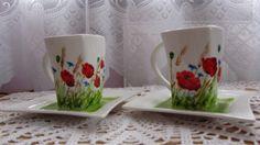 Porcelana, ręcznie malowana w polne kwiaty.