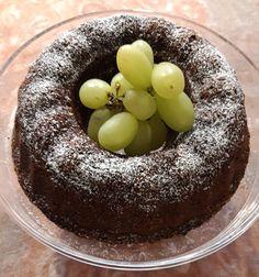 Gluteeniton taatelikakku, jossa mantelilastuja Acai Bowl, Breakfast, Food, Acai Berry Bowl, Morning Coffee, Essen, Meals, Yemek, Eten