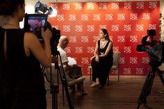 Eugenia Silva @eugenia silva en la presentación de la colaboración hecha con @Uno de 50 #evento #photocall