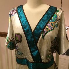 Lane Bryant Blouse Made of 100% polyester beautiful silk like blouse top. EUC size 18/20 Lane Bryant Tops Blouses