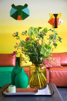 Tropical interior touch for an autumn update of your interior. Beautiful Flowers Pictures, Flower Pictures, Neutral Colors, Vivid Colors, Colours, Yellow Accessories, Tropical Interior, Tropical Colors, Warm Undertone