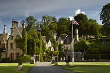 The Manor House Hotel - Breathtakingly situated in Wiltshire and on the outskirts of Bath lies Castle Combe village. Untouched since the Century, this chocolate box Cotswold village is home to the definitive country retreat, the Manor House Hotel. Manor House Hotel, Manor Houses, Golf Hotel, Literary Travel, Cotswold Villages, Restaurants, Castle Combe, Luxury Accommodation, Paisajes