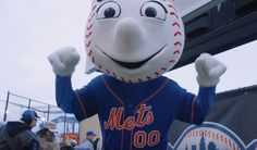 New York Mets Mascot, Mr. Met, Foolishly Demands His NL Championship Ring