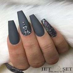 Even though the name is a bit on the creepy side, coffin nails are quite elegant and stylish, especially if you like really long nails. If you are one of those girls who can't grow out her nails and wants really long and cool nails, coffin nails might be the way to go because they can be any length. Check out our collection of the trendies coffin nail designs! #coffinnails #coffinnailsdesigns #coffinshapenails