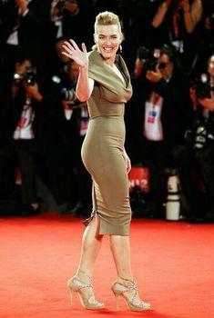Kate Winslet Most Beautiful Women, Beautiful People, Kate Winslate, Leo And Kate, Georgie Henley, Bombshell Beauty, Alexandra Daddario, Female Stars, Salma Hayek