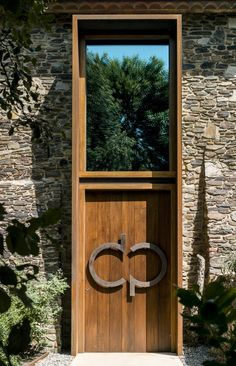 VILLA CP, Girona, 2013 - ZEST Architecture #entrance #hall #door
