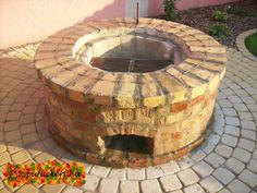 Fire Pit Bbq, Garden Fire Pit, Brick Garden, Diy Fire Pit, Fire Pit Backyard, Backyard Patio Designs, Backyard Landscaping, Brick Grill, Bbq Hut