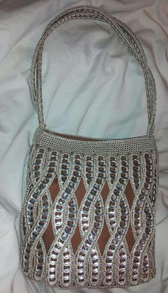 Pop tab purse... love the pattern!
