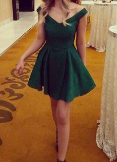 Lovely Off Shoulder Green Short/Mini Homecoming Dresses, Short Prom Dress, New Style Junior Homecoming Dresses - Plot Tutorial and Ideas Junior Homecoming Dresses, Prom Party Dresses, Cute Dresses, Short Dresses, Emerald Homecoming Dress, Dress Party, Simple Party Dress, Sexy Cocktail Dress, Cocktail Dresses