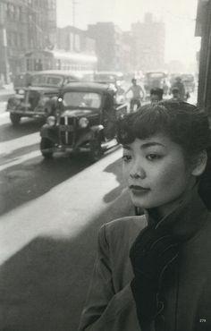 Michiko in Town, Tokyo, Japan, 1951 http://leclownlyrique.files.wordpress.com/2010/05/werner-bischof-michiko-in-town-tokyo-japan-1951.jpg?w=518
