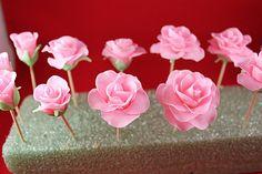 Fondant Roses Tutorial | Gwen's Kitchen Creations