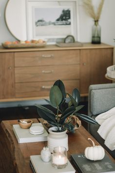 Don't know how to decorate a large living room? Here are a few tips to help create a cozy atmosphere in a large living room! Living Room Modern, Living Room Decor, Living Area, Living Rooms, Living Room Furniture Arrangement, Teak Furniture, Trendy Furniture, Farmhouse Furniture, Living Room Pictures