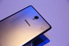 Un design élégant et des finitions parfaites ? C'est la nouvelle #GalaxyTabS ! #Galaxy #Samsung #New #TurnUpTheColor #Design #Grey