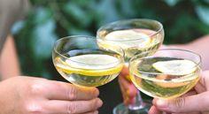 Champagnedrink med fläder och citron