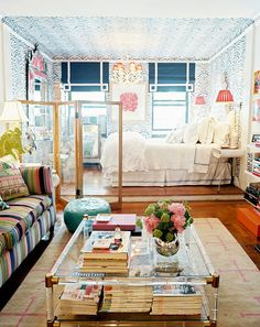 LOTS of tips for decorating a tiny space. We can all learn from a well-executed studio apartment.s studio apartment. via Fieldstone Hill Design} Apartment Decoration, Design Apartment, Studio Apartment Decorating, Apartment Interior, Bedroom Apartment, Apartment Therapy, Apartment Layout, Apartment Checklist, Cozy Apartment