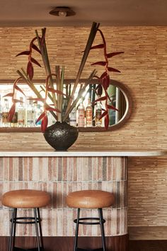 Santa Monica Proper is a luxury Hotel featuring a natural palette of earthy, raw materials and organic textiles.