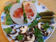 Mittags wurde es bei pepper&salt laut eigener Aussage leicht verrückt, denn der pikante Teller wurde mit Erdbeermarmelade gepeppt.