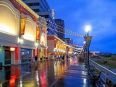 Walk down Atlantic City's Boardwalk at night #LindasStuff #PinningEverAfter    http://pinterest.com/megwhitmore/pinning-ever-after-summer-beach-date/