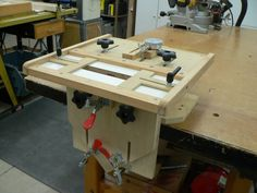 ShopNotes plunge router Mortising Jig w/micor adjust table