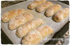 Pão com Chouriço Food Cakes, Bread Recipes, Cake Recipes, Irish Soda Bread Recipe, Croissants, Portuguese Recipes, Beignets, Empanadas, Hot Dog Buns