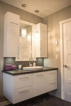Bathroom Vanity Ideas – Looking for bathroom Vanity ideas? Check out the design … – Badezimmer Ideen Condo Bathroom, Bathroom Renos, Bathroom Cabinets, Bathroom Renovations, Bathroom Furniture, Bathroom Interior, Modern Bathroom, Rustic Furniture, Paint Bathroom