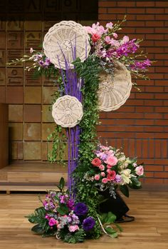 Contemporary Flower Arrangements, Tropical Flower Arrangements, Creative Flower Arrangements, Flower Arrangement Designs, Church Flower Arrangements, Flower Designs, Home Wedding Decorations, Altar Decorations, Flower Decorations