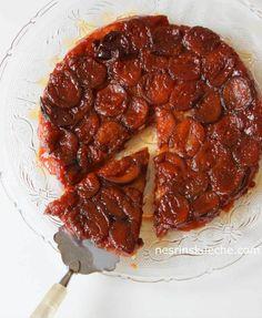 Karamelli Erikli Tart    -  Nesrin  Kismar #yemekmutfak  Elma veya erikli tart yaparken kullanabileceğiniz bu tart hamuru benim favorim, hazırlanışını çok sevdim. Çok pratik, ölçü tam tutuyor, eli yormadan hazırlanıyor.