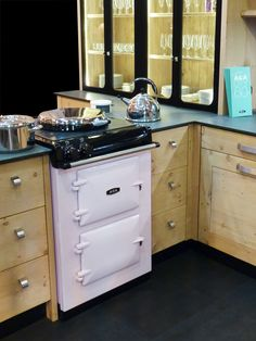 The demure AGA City24 cast iron range in rose. (Available in North America at www.aga-ranges.com)
