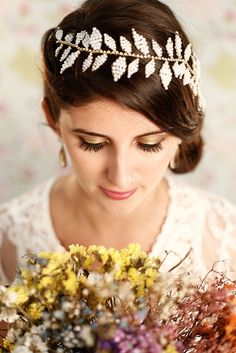 Colação Classic Brides - Tulle Noivas: Tiara Dorothy - http://www.tullenoivas.com