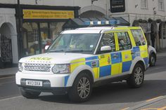 WX13DXA Land Rover Discovery, Wiltshire Police England