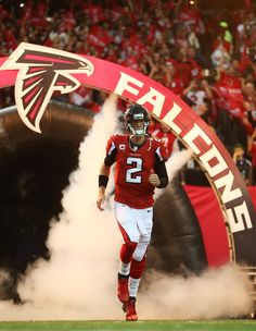 Matt Ryan // Atlanta Falcons RAISE UP! Check out a Falcon's game or check out some training out in Snellville, GA Falcons Game, Falcons Football, Football Is Life, Football Fans, Football Stuff, Football Players, Atlanta Falcons Rise Up, Atlanta Georgia, Julio Jones