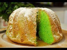 Pandan is zo lekker en zeker door baksels. Deze Indische pandan sponscake is zonder boter. Ik heb 'm nu al 4 keer gemaakt met dit recept en telkens is 'ie prachtig gerezen en niet ingestort. Dutch Recipes, Baking Recipes, Cake Recipes, Snack Recipes, Dessert Recipes, Pandan Chiffon Cake, Pandan Cake, Cakes Without Butter, Green Cake