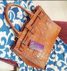 Furla brown mock croc printed leather w silver hardware condition good . RM 489 L29.5 H24 W11 cm . 🎁 redeem it free with Maybank or CIMB credit card points 🎁 🍊114 Jalan Maarof Bangsar KL. T +6 010 2203384 🍊20 Great Eastern Mall Ampang KL. T +6 03 42510013  #furla #furlabag #furlamurah #furlatote #preloved #prelovedph #prelovedbag #preloveindo #ottd #vintage