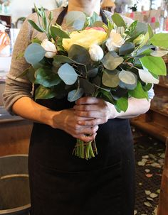 DIY Holiday Wreath with Flower Factory | Poppytalk