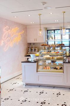 The Kendra Scott Sips & Sweets Café is one of the best coffee shops in Austin, unlike any other. Learn about this café in the Kendra Scott Encyclopedia. Cake Shop Interior, Coffee Shop Interior Design, Coffee Shop Design, Restaurant Interior Design, Pastry Shop Interior, Patisserie Design, Decoration Patisserie, Bakery Design, Cute Bakery