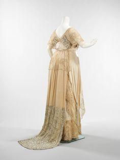 OMG that dress! Callot Soeurs evening dress ca. 1910-1912 via The Costume Institute of the Metropolitan Museum of Art