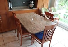 kitchentable051012.jpg