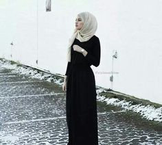 Image in hijab style collection by Star make up Islamic Fashion, Muslim Fashion, Modest Fashion, Modest Clothing, Unique Fashion, Women's Fashion, Muslim Girls, Muslim Women, Hijab Fashionista